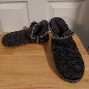 MUK LUKS GRY/BLK ANKLE BOOT STYLE SLIPPERS M 7/8